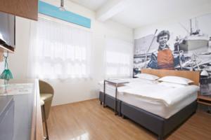 IH-Reykjavik-Marina-Standard-Room1500x1000